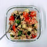 栄養と美容効果のスーパーフードレシピ キヌアとアボカドのサラダ