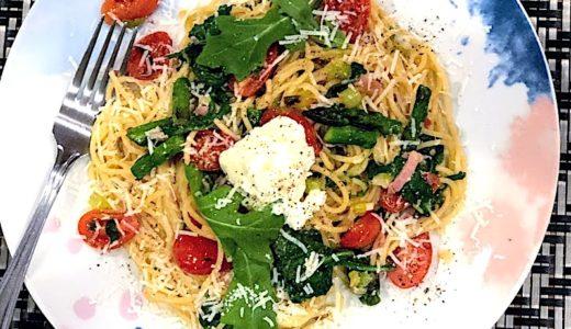 リコッタとアスパラガスのスパゲッティーニには生ハムとアンチョビの隠し味を
