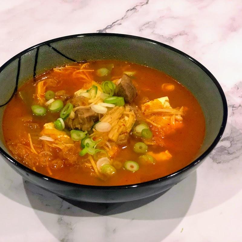 温かい韓国料理:キムチチゲ
